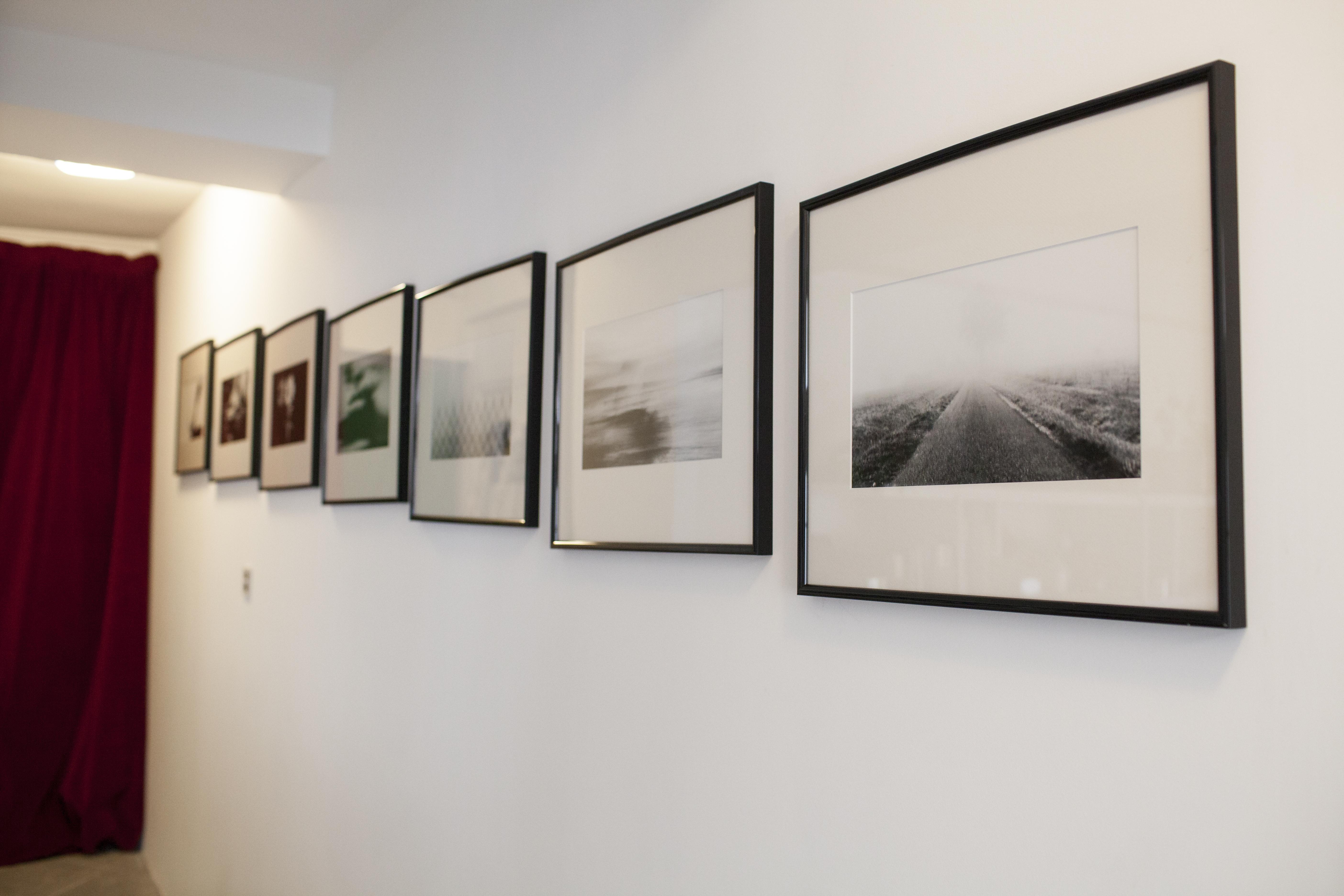 46FM :: Montauban GuestHouse :: La gallery du couloir
